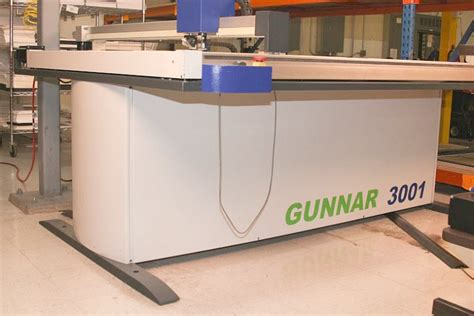 C1077 Xl used gunnar 3001 xl cmc computerized mat cutter used