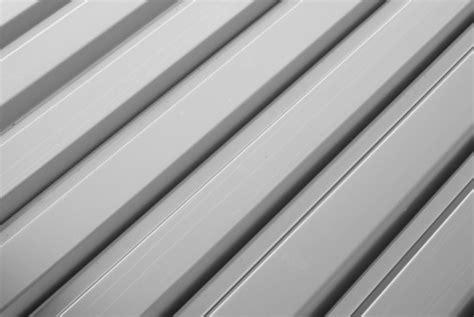 panneau sandwich des panneaux de toiture isolants ooreka
