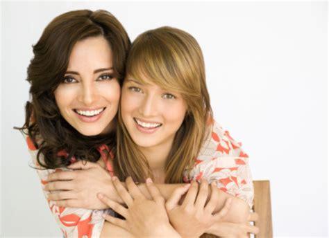 rapporto autonomo tra madre e figlia