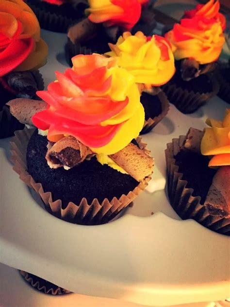 campfire cupcakes ideas  pinterest bonfire night cupcakes recipes recipes