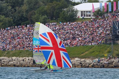 sailboat racing flags olympic sailing how to watch the sailboat racing boats