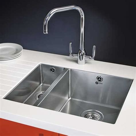 how to clean a kitchen sink kitchen cleaning tips how to clean kitchen sinks