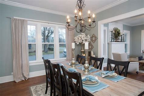 Hgtv Dining Room Decorating Ideas Hgtv Fixer Home Decorating Black Chairs Brown And Light Walls