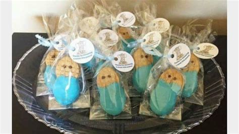 simple takehome gifts to make for guests at chridtmas dinner 30 diy baby shower favors guests will actually want