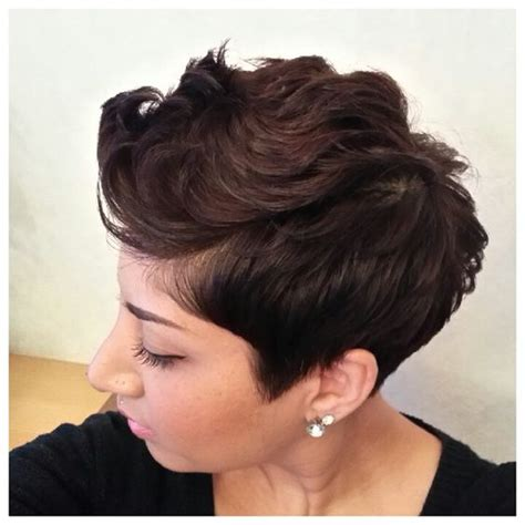 pixie cut that flips in back soft layered pixie with a flip www mixed elegance com