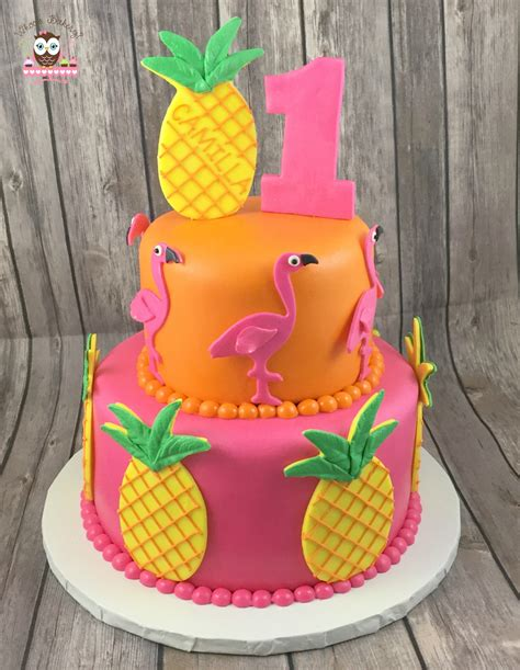 bizcocho decorado hawaiano pineapple cake hawaiian cake hawaiian party cake aloha