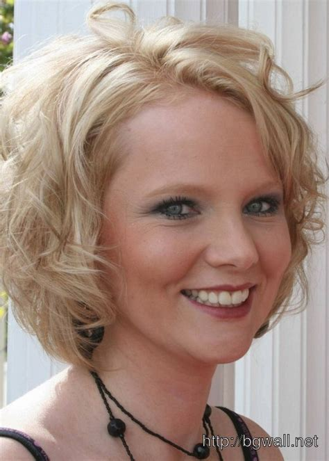 hairstyles for women with fat faces and wavy hair cute short haircuts for fat faces with curly hair hairs