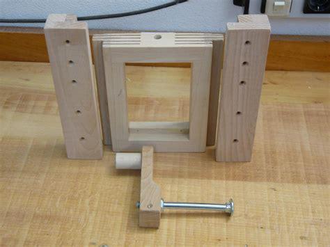 selbstgebaute schreibtische bekannt h 246 henverstellbarer tisch selber bauen at02