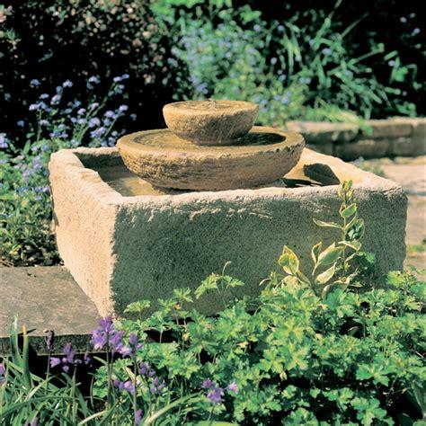 garten springbrunnen garten kaskaden springbrunnen aubree gartentraum de