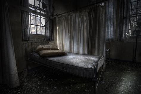 Daftar Decay siapa di sebalik katil fiksyen shasha