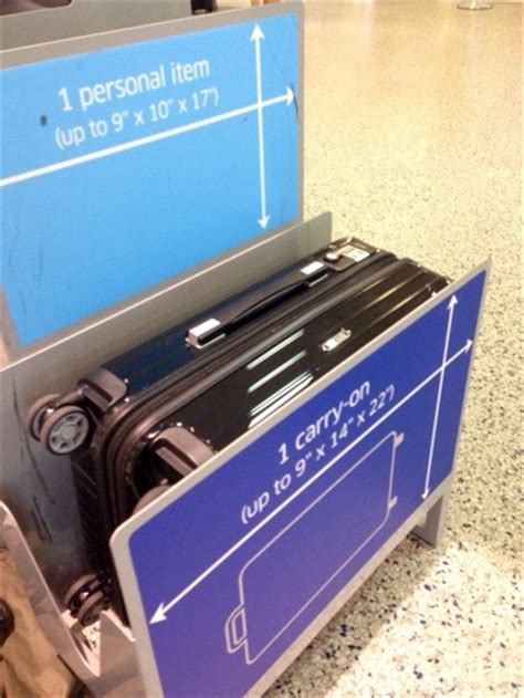 united airlines international carry on baggage weight limit