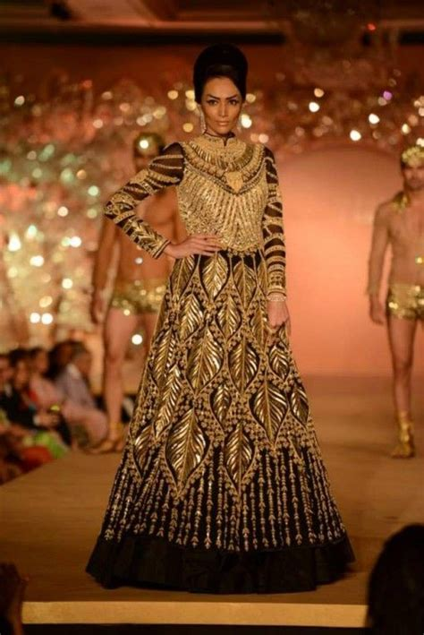 home indian wedding site vendors clothes invitations abu jani sandeep khosla golden peacock indian bridal show