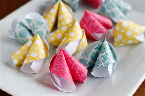 How To Make Fortune Cookies With Paper - diy paper fortune cookie craft the craftiest