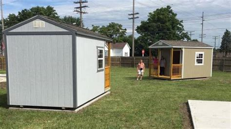 6 tiny homes for the homeless arrive in muncie