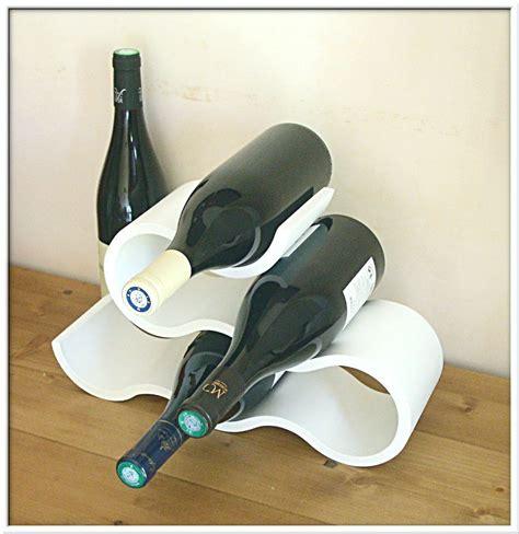 porte bouteille de vin design porte bouteille blanc neuf design courbes d 233 co cuisine