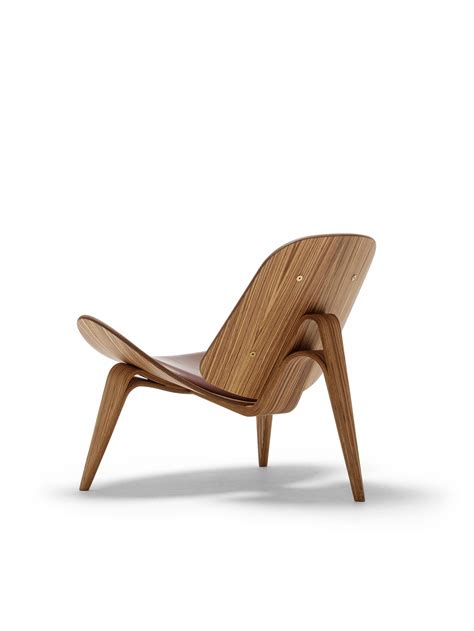 of the chair about the ch07 shell chair hans j wegner shell chair
