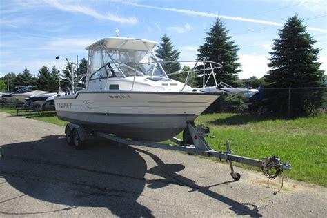 trophy boats for sale in michigan bayliner 2302 wa trophy 1995 used boat for sale in