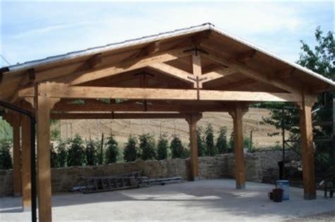 montaggio tettoia in legno tettoie in lamellare tettoie da giardino