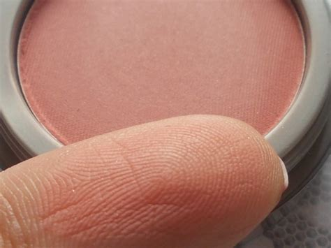 Beige Jordana Powder Blush Berkualitas jordana powder blush beige review