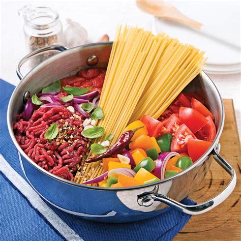 cuisiner viande hach馥 spaghettis au boeuf hach 233 sauce tomate recettes
