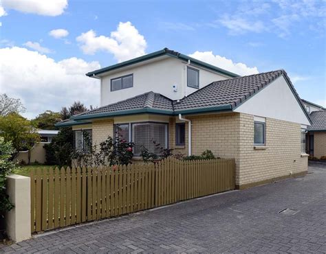 3 bedroom townhouse book at palm court rotorua rent townhouse in rotorua