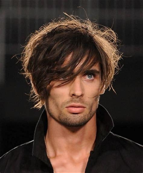 hair cuts for young boys feathered back look tagli di capelli uomo le foto degli stili pi 249