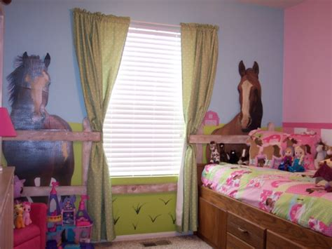 girls horse bedroom my daughters horse themed bedroom paetyns bedroom ideas