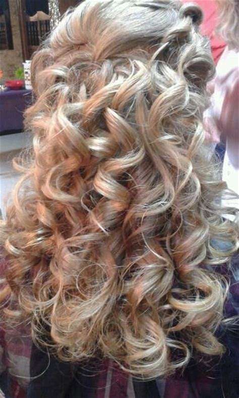 haircuts for curly hair games 1000 ideas about curly homecoming hairstyles on pinterest