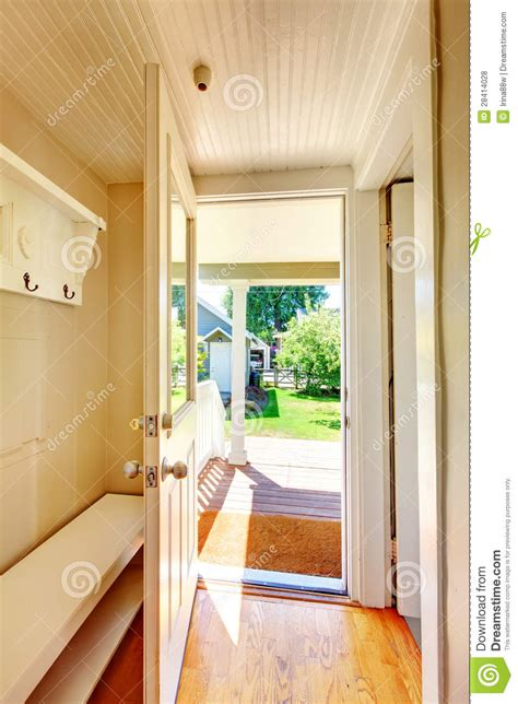 devanna beige floor imagenes wall beige walls hallway with open door and hardwood floor royalty free stock photos image 28414028