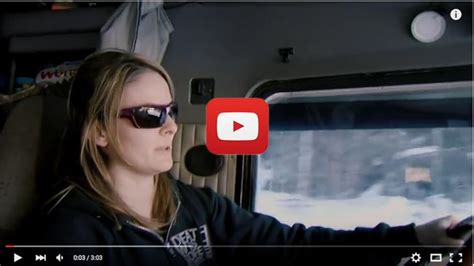 lisa kelly la camionera del hielo en apuros