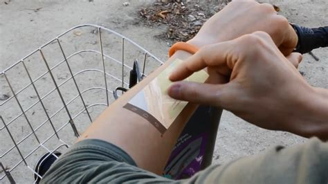 Gelang Proyektor gelang canggih ini bisa mengoperasikan android di kulit tangan teknowin10