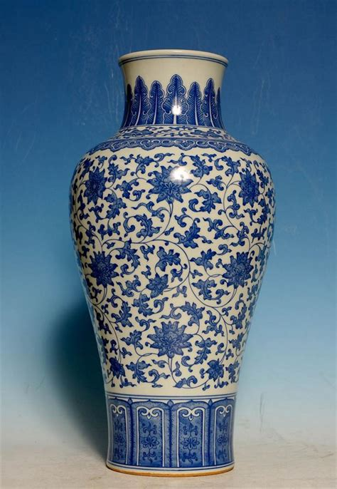 Porcelain Vase Marks by Large Antique 18th C Blue And White Porcelain Vase