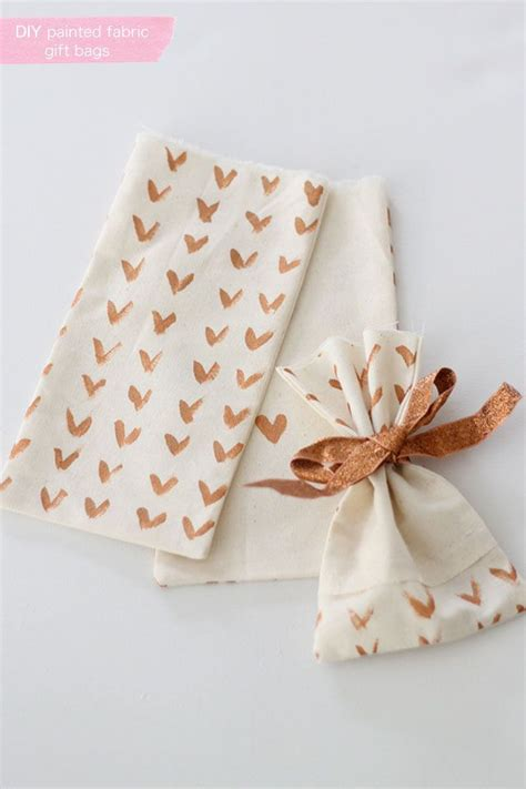 fabric crafts gifts 10 best ideas about fabric gift bags on diy