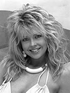 1980s feathered hair pictures 1980s choppy and feathered hairstyles through the ages