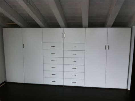 Armadio A Muro Mansarda by Armadi Per Mansarde Con Travi Design Casa Creativa E