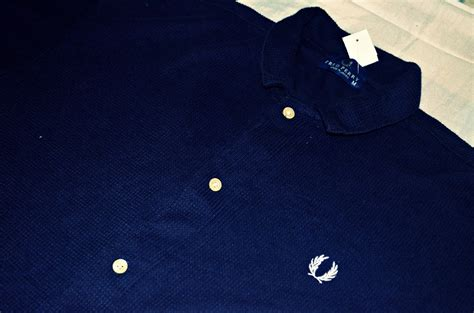 Kemeja Fred Perry White Trash Kemeja Fred Perry Sold