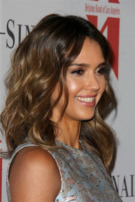 brunette lob hairstyles 2015 jessica alba brunette ombre hairstyle with waves summer