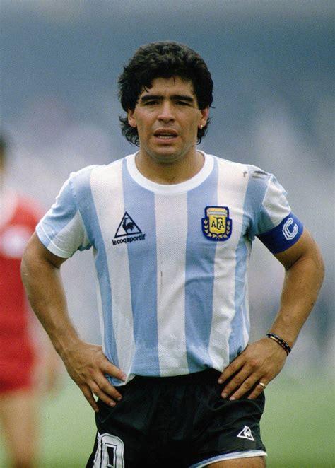 Diego Maradona Maradona Wallpapers Wallpaper Cave