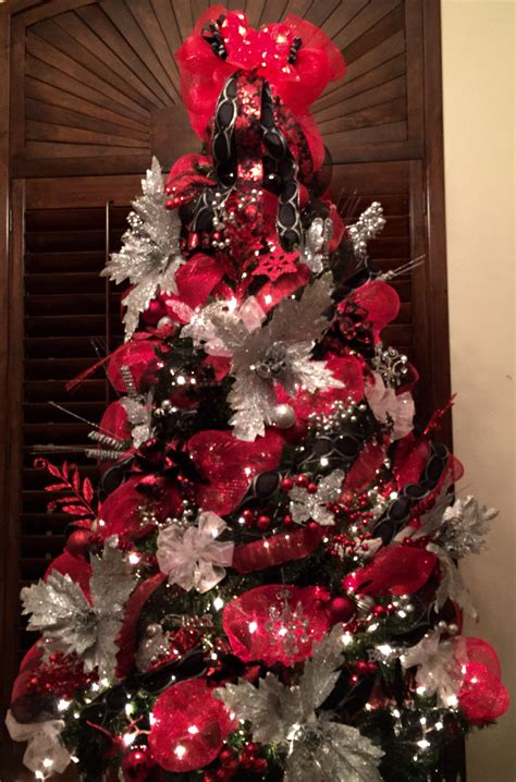 red black and silver christmas tree with mesh mesh