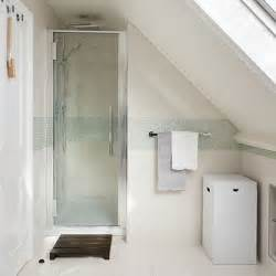 attic shower room with mosaic tile stripe