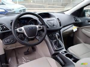 medium light interior 2014 ford escape se 1 6l