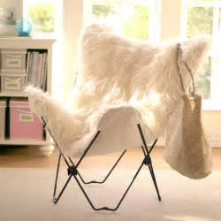 Fuzzy butterfly chair galleryhip com the hippest
