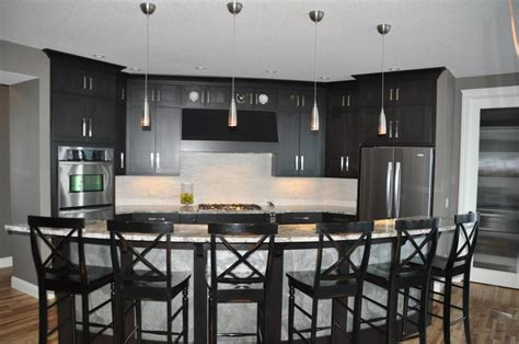 Kitchen & Dining. Curved Kitchen Island, Makes Shape