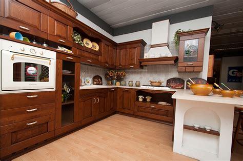 cucine astra cucina astra cucine fiorenza classica legno noce cucine