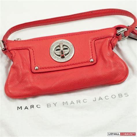 Marc By Marc Totally Turnlock Mimi Handbag by Marc By Marc Totally Turnlock Mini Hobo Clutch