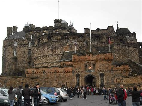 edinburgh castle picture of jurys inn edinburgh