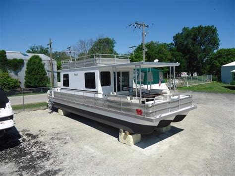 35 catamaran cruiser houseboat catamaran cruisers boats for sale boats