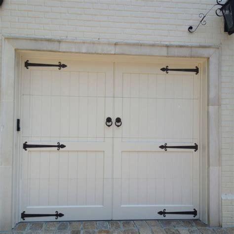 Dutchess Overhead Door 1000 Images About The Quot Carriage Quot Style Look On Pinterest Wood Garage Doors Wooden Garage