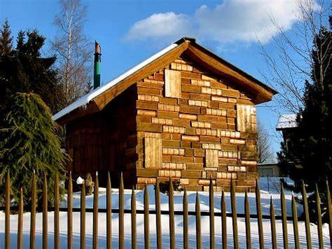 decorare exterioara casa casa cartilor vedere exterioara constructie din lemn