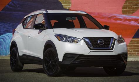 nissan kicks 2018 2018 nissan kicks is the new king of affordable crossovers